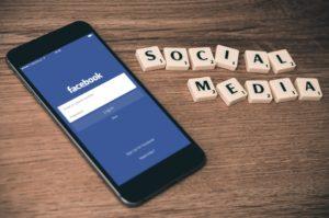 Facebookové příběhy i pro desktopové verze