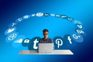 Facebook importoval emailové kontakty uživatelů, prý omylem