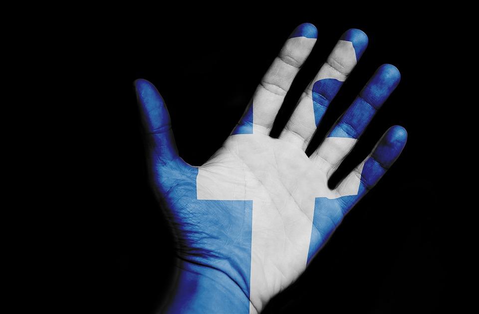 Facebooku se i po všech skandálech daří, nejvíce peněz je z reklamy