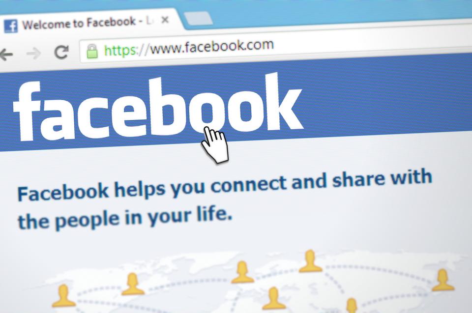 Facebook láká na novou funkci, která vám prozradí, kdo vás miluje či chce