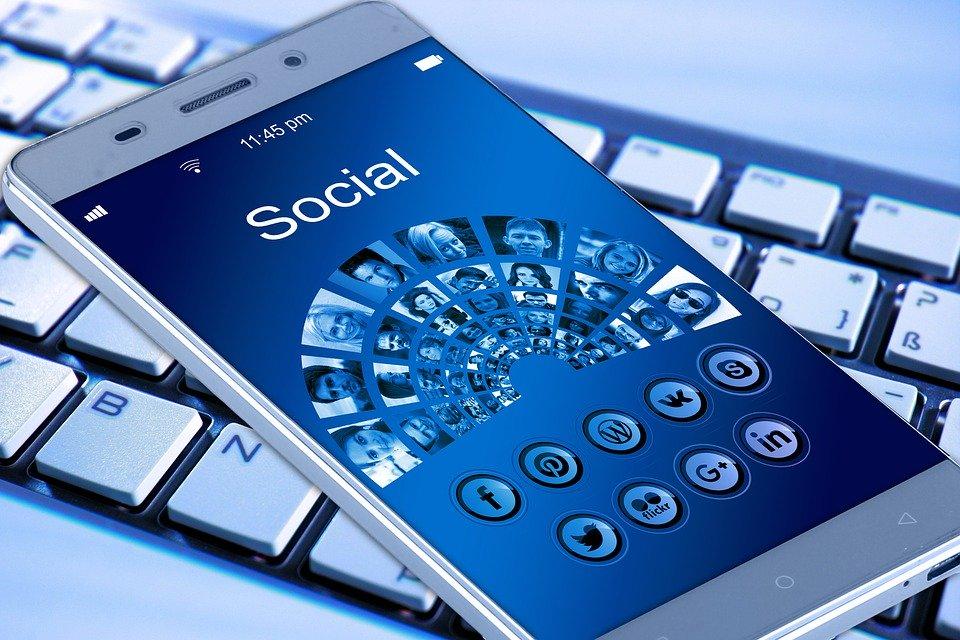 Promujte mobilní aplikace skrze Facebook. Vyplatí se to